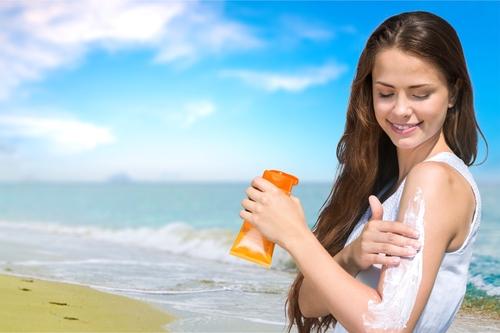 Cuidados com a pele no verão  o que é preciso realmente saber 13a640ea096
